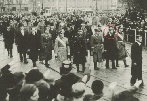 O πρίγκιπας Φίλιππος, οι αδερφές του και ο Χίτλερ - Οι φωτογραφίες που κάνουν το γύρο του ίντερνετ (ΦΩΤΟ)